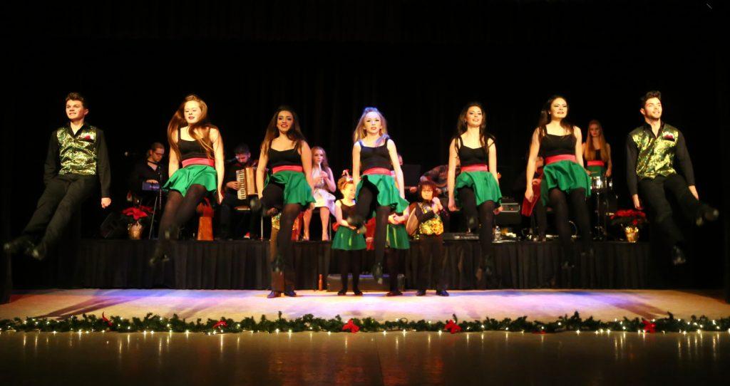 Celtic Holiday Hooley dance line